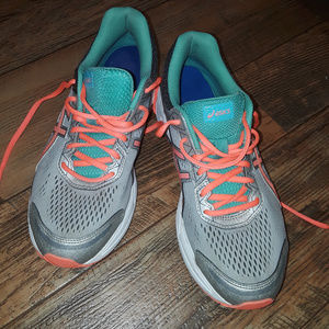 Asics Gel 9.5 Athletic Shoes